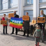 Chechen refugees in Finland meet Chechen delegation with protest action