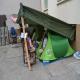Des familles dorment sous des tentes à Nîmes