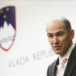 """SDS: """"Rus Büyükelçi Slovenya'yı Küçük Düşürüyor"""""""