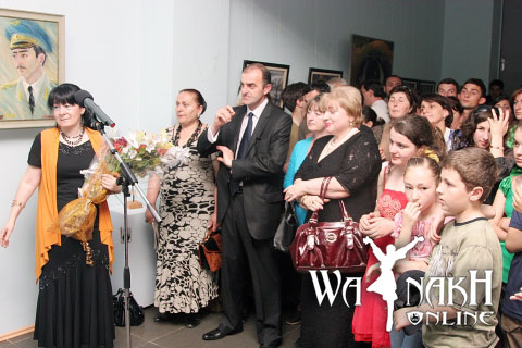 alla-dudaeva-painting-exhbition-at-zugdidi-23-may-2009-1