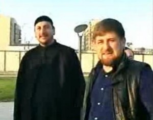 Molla Bai-Ali Tevsiyev ve Kukla Ramzan Kadirov