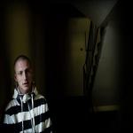 Çeçen Gence Norveç'te Terörist Muamelesi